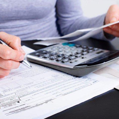 Chi phí mua bánh trung thu tặng nhân viên hoặc khách hàng